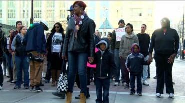Второй день демонстраций в честь Тони Робинсона
