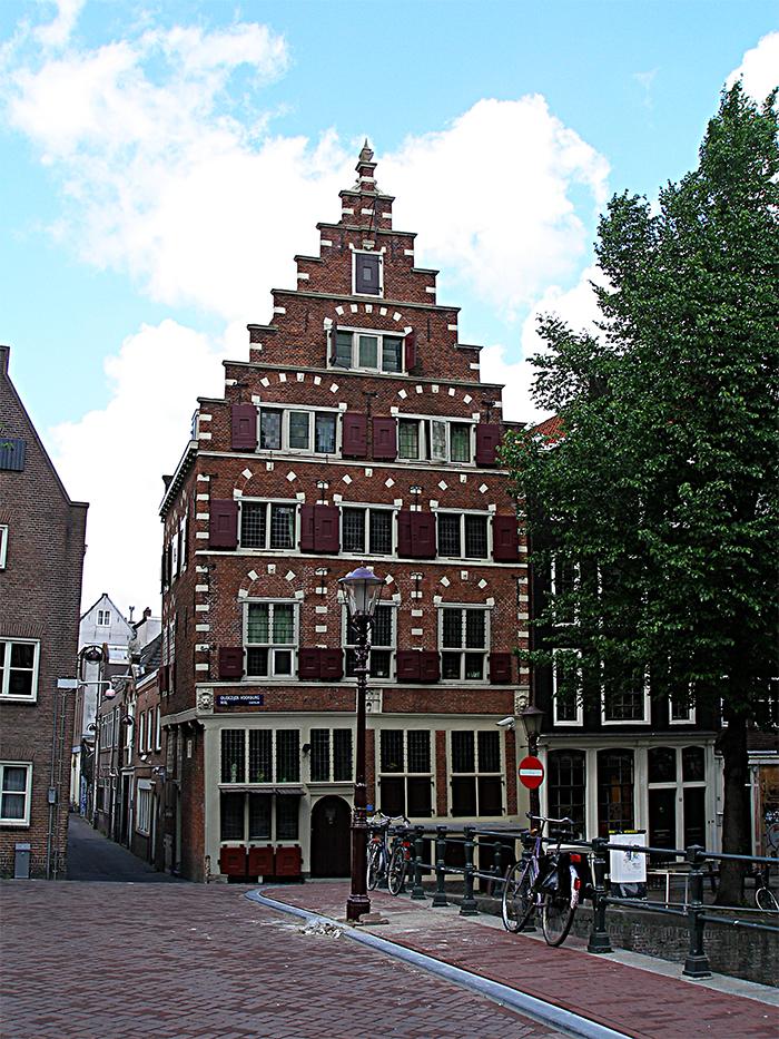 Голландский стиль в архитектуре