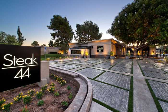 Steak 44 - Финикс (Аризона) - популярный город в США