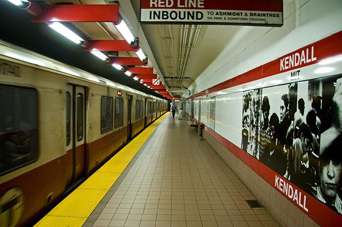 Metro v Bostone - Бостон – столица штата Массачусетс