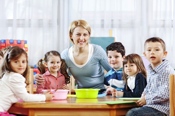 Kto mozhet byt vospitatelem v detskom sadu - Детские сады в Америке