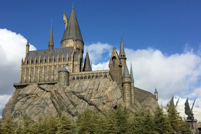 Замок волшебников