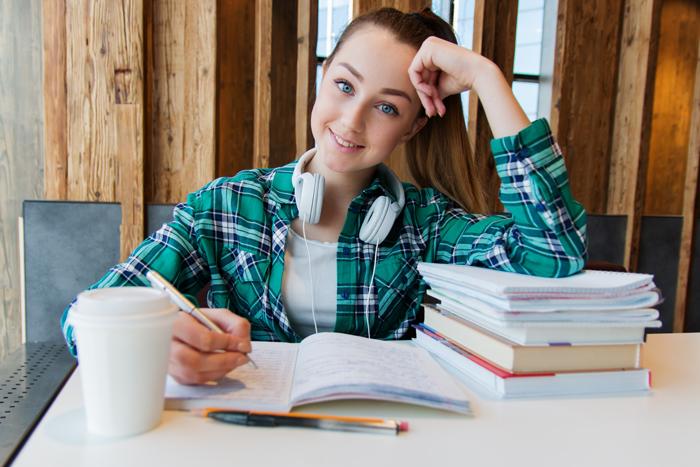 Osobennosti obucheniya v kolledzhe SSHA - Особенности обучения в колледже США