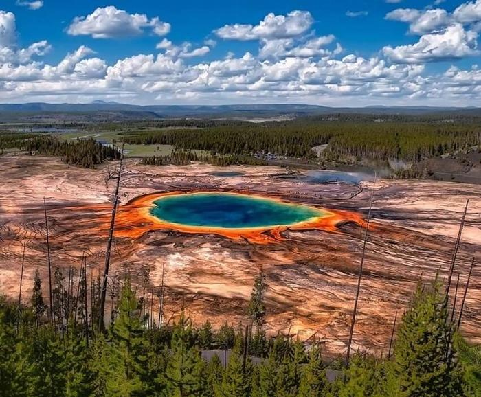 Vulkan Jellouston - Природные катаклизмы в США