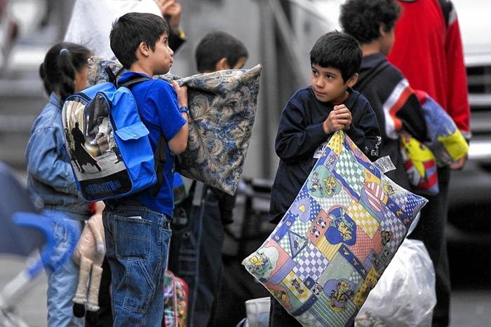 Bezdomnye deti SSHA - Бомжи в США: как они оказались на улице?