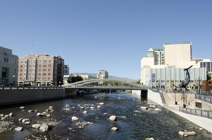 Rino shtat Nevada - Как поехать в Америку?