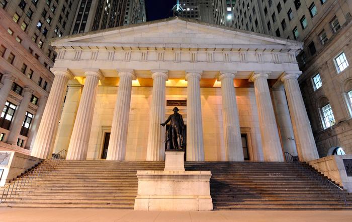 Federal holl - Уолл-стрит: главная финансовая улицы Нью-Йорка
