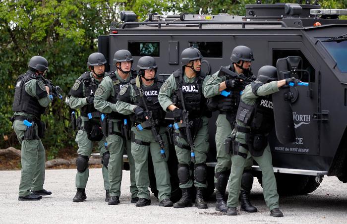 Dolzhnosti i zvaniya - Полиция США