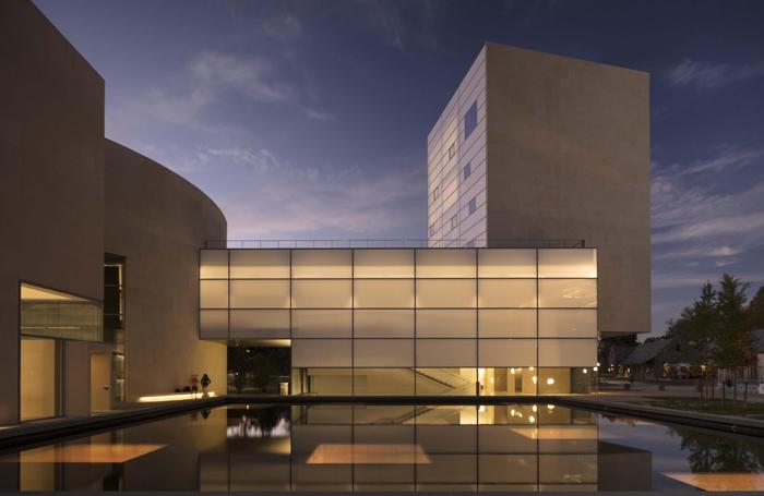 Центр искусств Льюиса